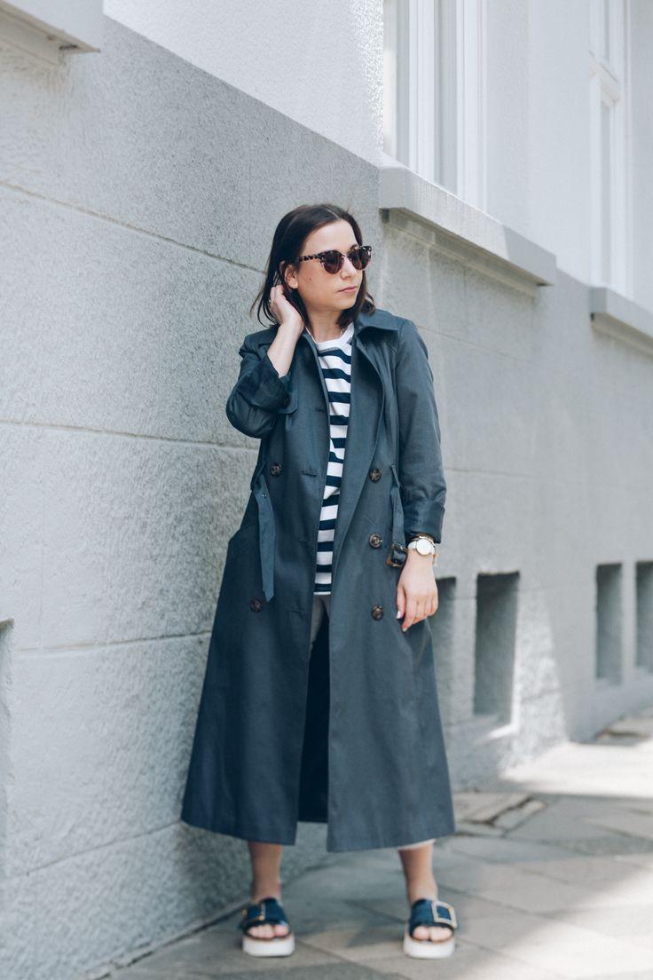 Mein Outfit für die ersten sommerlichen Tage mit Platform-Pantoletten und langem Trenchcoat #ootd #fashion #mode #summer