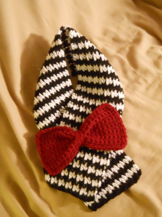 Toddler Black & White Crochet Houndstooth Scarf by MadeByLaraK, $25.00