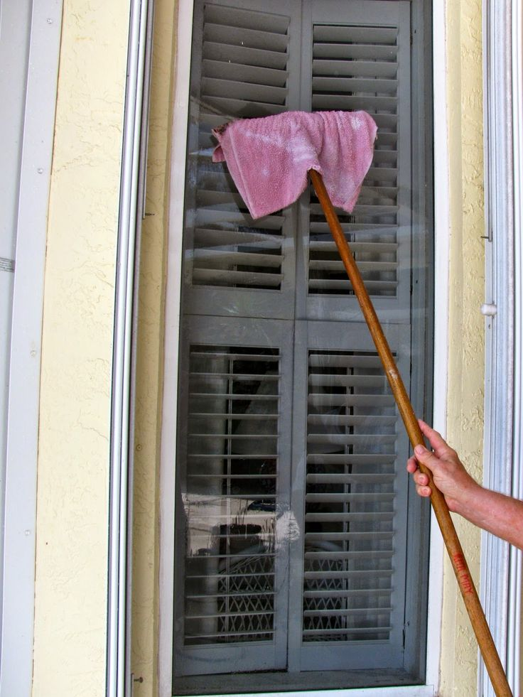 This is the easiest  way to clean your  outside windows.      Wash on ~ Rinse off!   Streak free, spot free, squeaky clean  windows in no ...