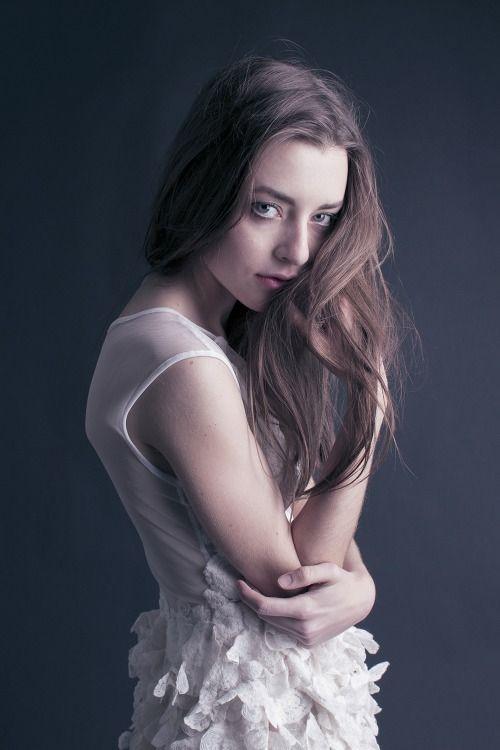 model: Maris Berkowitz makeup/hair: Debie Kim