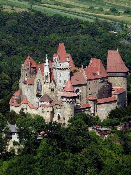 Burg Kreuzenstein ♦ Leobendorf, Austria