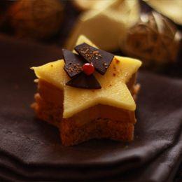 Etoiles de foie gras, pain d'épices et mangues   Fraise Basilic