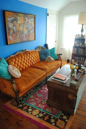 I love it.Wall Colors, Colors Combos, Complementary Colors, Living Rooms, Blue Walls, Color Combos, Area Rugs, Orange Sofas, Accent Wall