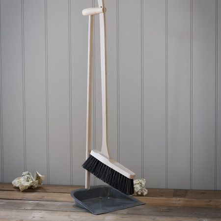 Garden Trading - Dustpan and Brush with Beech Handle