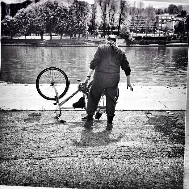 .@Tonick | The Fat Rider #streetphotography