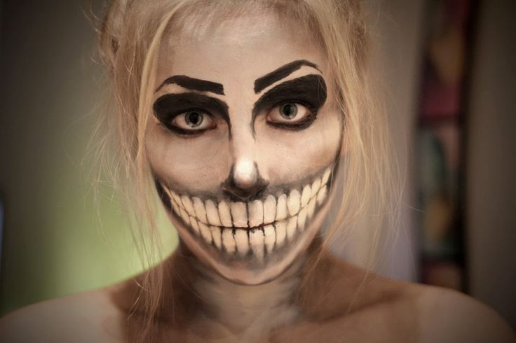 Sarcasm Because Beating the Hell Out of People is Illegal: Halloween Skull Face Make-up (20+ Pictures)