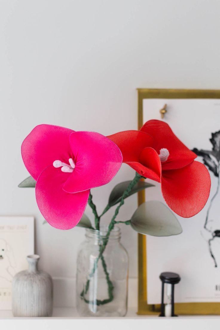 Alla hjärtans dag-pyssel – Stora blommor av ståltråd och strumpbyxor