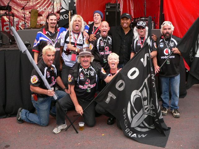 Bud and friends with league legend Tawera Nikau #fans #warriors
