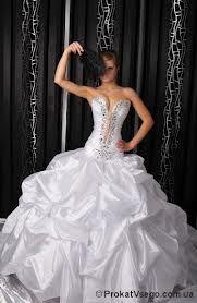 Свадебные платья и перчатки