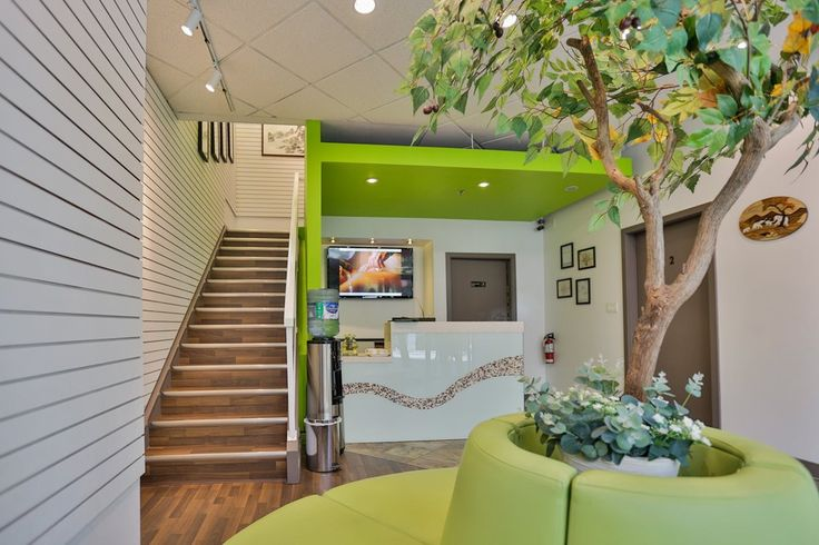 Yaletown Wellness Center - Vancouver, BC, Canada. -2ND FLOOR ENTRANCE-