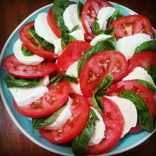 Caprese Salad ~ Tomatoes, Mozzarella Cheese, Homegrown Basil | Snacking in the Kitchen