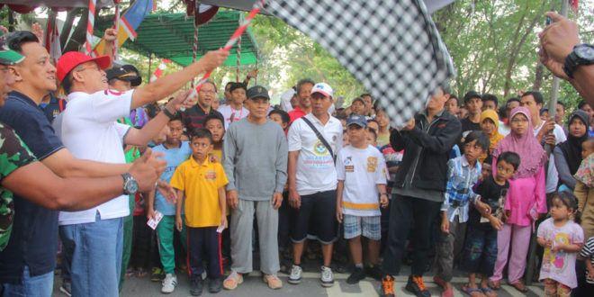 HUT ke-71 RI, LDII Gelar Jalan Sehat bersama Muspika dan Warga Kenjeran