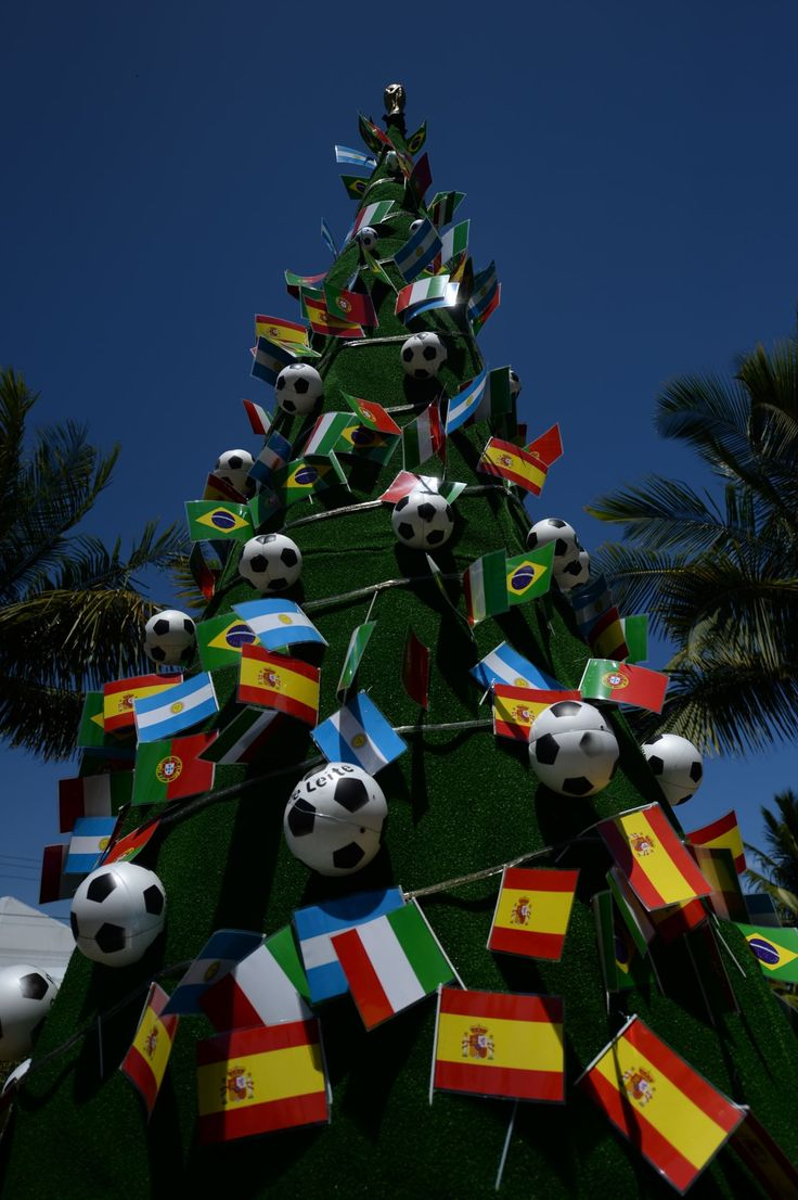 Christmas decoration all around the world - The World S Best Christmas Trees Costa Do Sauipe Brazil A Christmas Tree Decorated