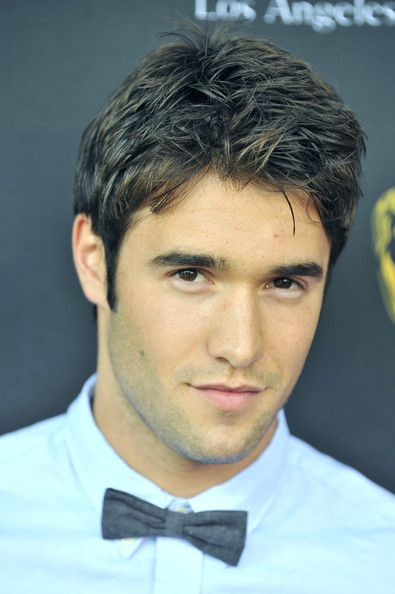 Marry me? Joshua Bowman from Revenge