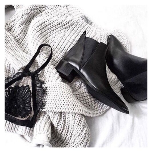 Winter got me like #mylife #myjourney #whatilove #love #different #gogirl #fashion #quote #goodvibesonly #boots #winter #boots