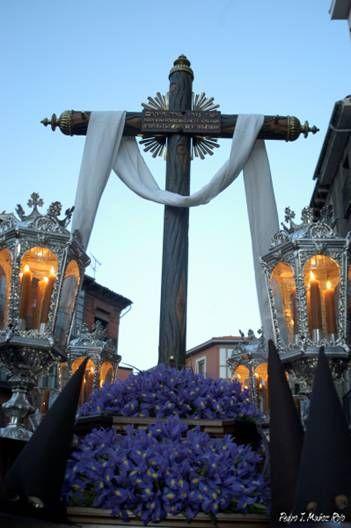 Cofradía de la Orden Franciscana Seglar, La Santa Cruz Desnuda