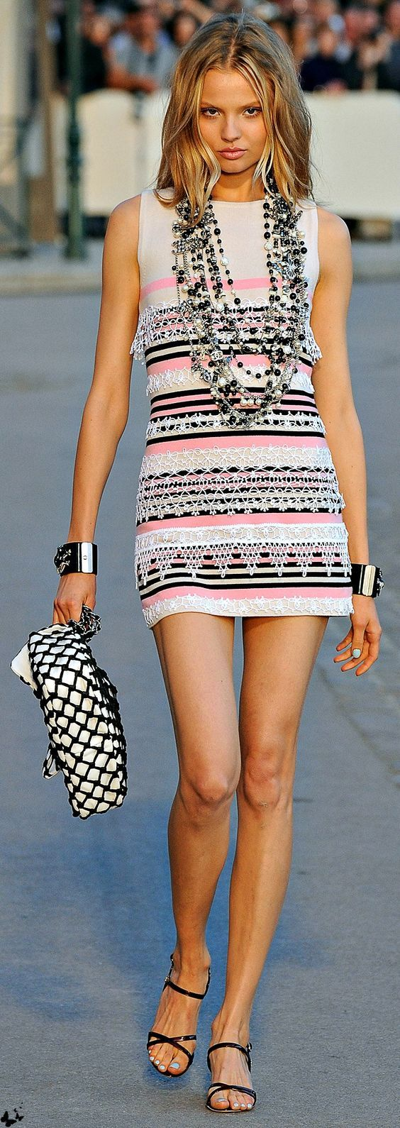 White dress dream meaning - Chanel