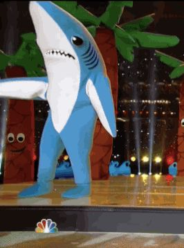 One of Katy Perry's Super Bowl Sharks Knew the Dance and One Didn't Care - BEST part of the super bowl