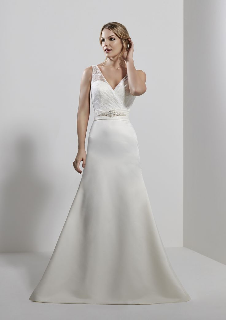 Simple but yet Elegant A Line Brides Dress, with intricate detailing #ALineDress