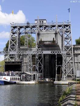 Boat lift, Canal du Centre, Belgium
