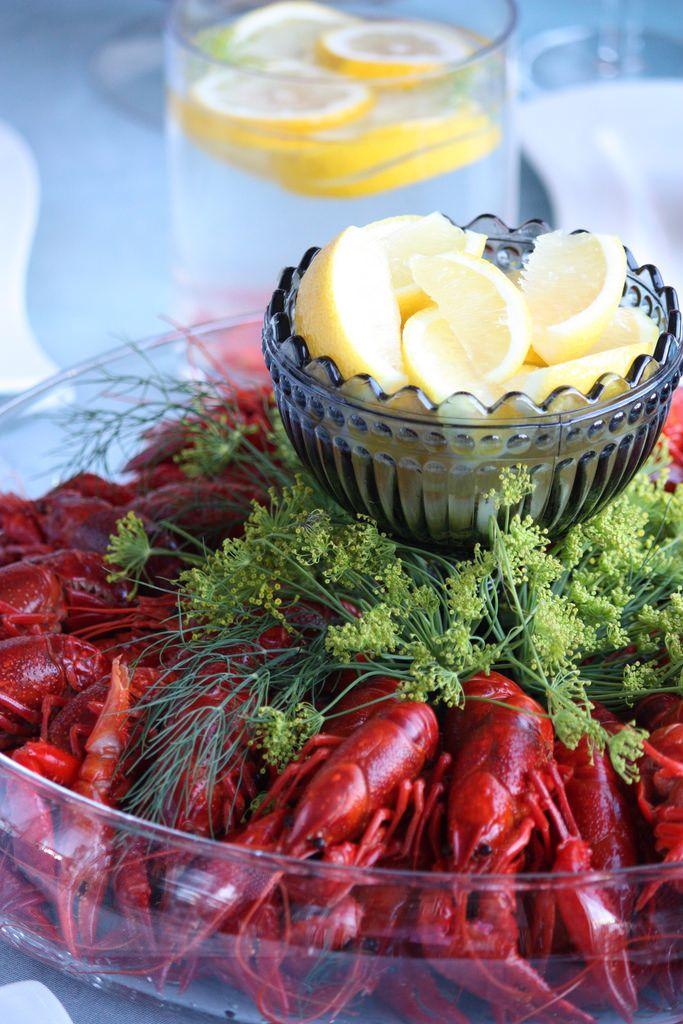 #Rapujuhlat - also das Krabbenfest - ist für viele Finnen eine schöne sommerliche Tradition 🍋🦀🍽