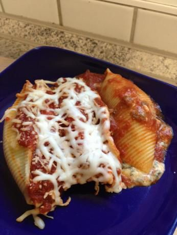 Crock pot spinach stuffed shells I love the spinach in these shells. It makes a good hearty meal.