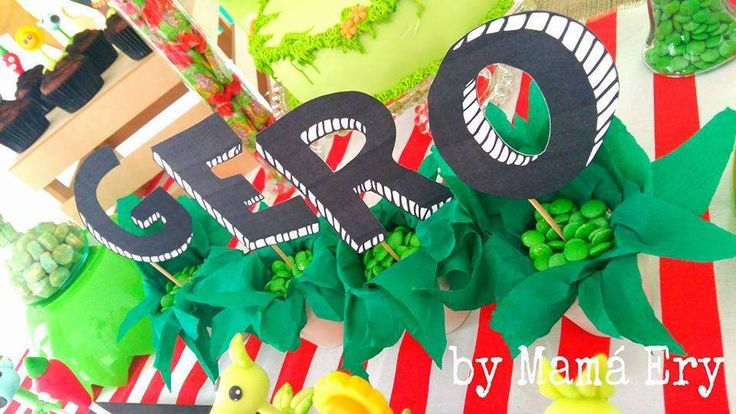Plants vs Zombies birthday party | CatchMyParty.com