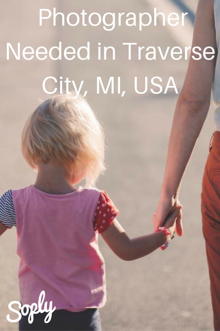 #Photographer needed to take #family #photos on November 24th in #TraverseCity, #MI, #USA. See the #photographyjob and apply by clicking the pin!