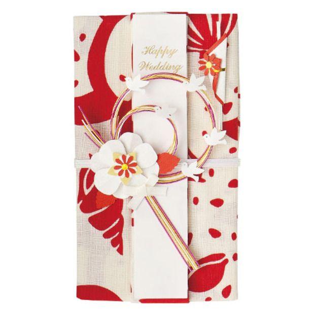 こちらは手ぬぐいでできているご祝儀袋です。糸の一本一本まで丁寧に染められていて、使い心地も◎華やかな柄がお祝いにピッタリですね♪