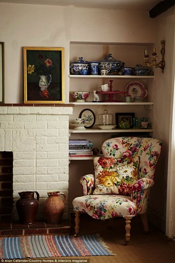 Ah Country Cottages For Sale Surrey Chic Apartment Decor Granny Chic Decor Apartment Decorating On A Budget