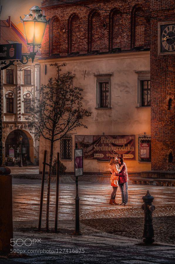 #EuropePolandTarnowarchitectureartdarkgirllamplightlightsmoodnightsquarestreeturban #mlatocha (November 2 2015 at 05:08PM) market squre - Tarnow - Poland