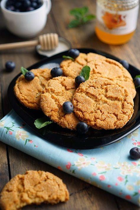 Хохоу, прям без вступлений хочу перейти к рецепту. В общем, печеньки - это бомба. Ну, во-первых, смотрите, какие они золотые с большими аппетитными трещинками, от одно�…