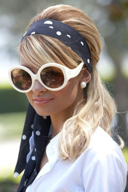 Twiggy///Wear a summer scarf in your hair and pair with white glasses for a 60s style.