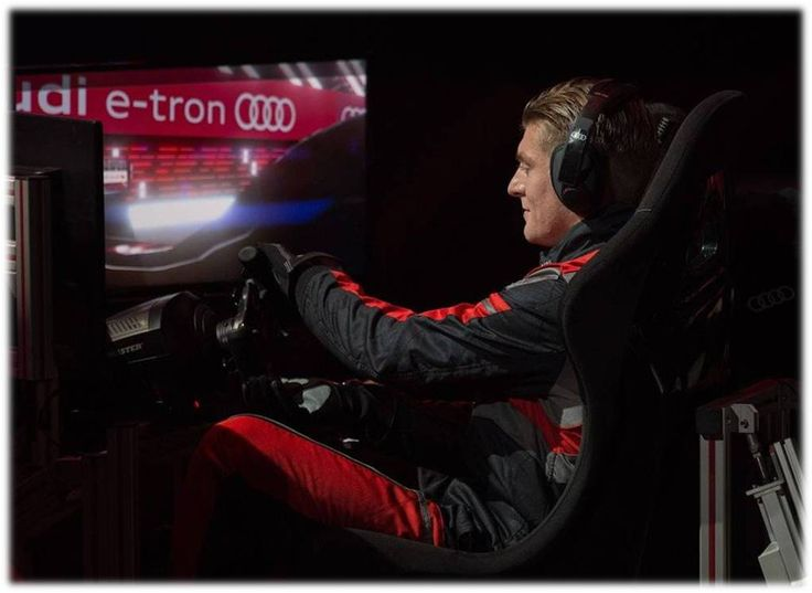 KROOOS!! Audi (Spain) organised a competition between players with formula E simulators....#RM Players pitted their driving skills against each other in a simulated race to see who was the king of the race..