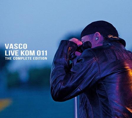 """Vasco Rossi ha dato alle stampe il doppio Cd + DVD """"Live Kom 011: The complete edition"""" contenente il film dei mitici concerti 2011 a San Siro,  4 sold out in fila (16, 17, 21 e 22 giugno 2011), record di incassi del primo semestre 2011. Una settimana prima della sua pubblicazione, solo il 22 e 23 Novembre, grazie a The Space Extra e QMI i fan potranno godersi il concerto nelle sale cinematografiche di tutta Italia."""