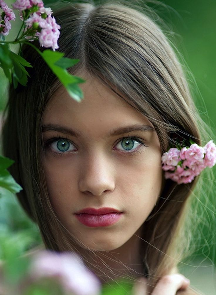 Gorgeous girl- pretty green eyes | #Inspirations | Pinterest | Green ...: www.pinterest.com/pin/202310208234045004