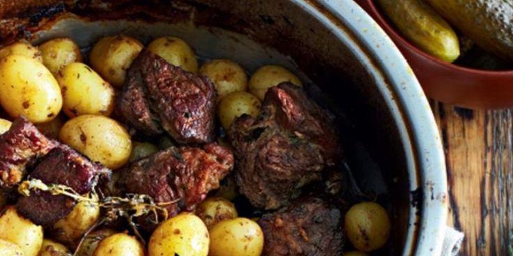 Тушеная говядина с картошкой и чесноком