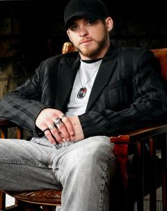 Brantley Gilbert I will marry you lol