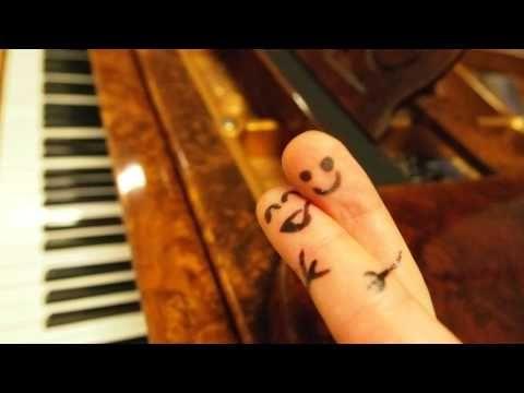 Stoffregen plays Sportfreunde Stiller - Ein Kompliment [solo piano] - YouTube