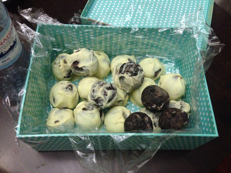 April 2015 - Oreo truffles!!!! Yummm!!