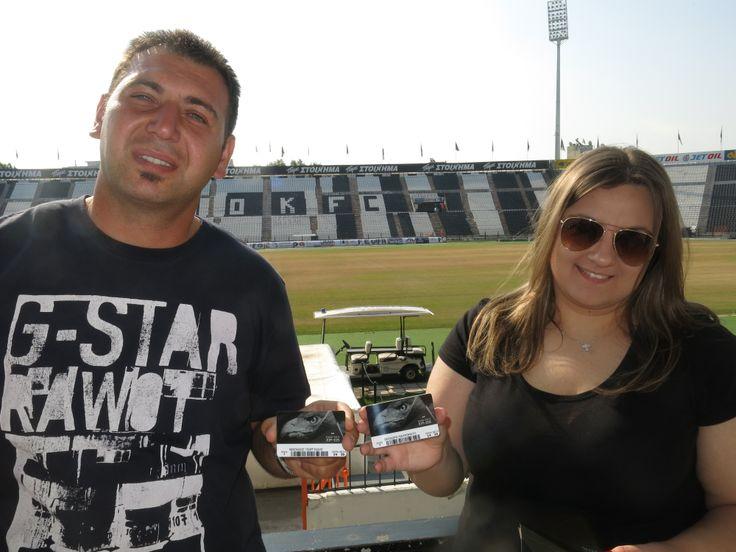 Ο Νίκος Γεωργιάδης από τη Βέροια και η αρραβωνιαστικιά του ήταν οι δύο πρώτοι κάτοχοι εισιτηρίου διαρκείας για τη σεζόν 2014-15