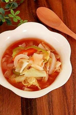 楽天が運営する楽天レシピ。ユーザーさんが投稿した「ダイエットにお勧め♪脂肪燃焼スープ」のレシピページです。6種類の野菜切って煮るだけ。それだけで、野菜のチカラがたっぷり溶け込んだ魔法のスープができあがります♪デトックス効果を期待したい方にもお勧めです♪。脂肪燃焼スープ。玉ねぎ,人参,セロリ(大),ピーマン,キャベツ,トマト缶(400ml),コンソメ,水
