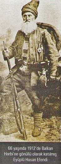 Eyüplü Hasan Efendi, a 66 years old volunteer who fought in the First Balkan War (1912-'13).
