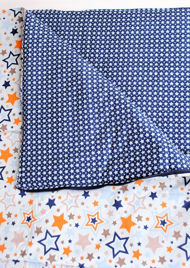 Kids Sleeping Bag Pattern & Tutorial.  What a great gift too.