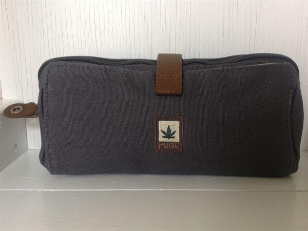 www.mellowway.dk Taske/Clutch fra Pure Bags. Grå 10x22 cm. Økologiske og miljøvenlige tekstiler