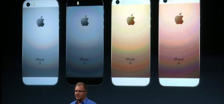 How Apples New iPhone Appeals to New Customers While Embracing Loyalists
