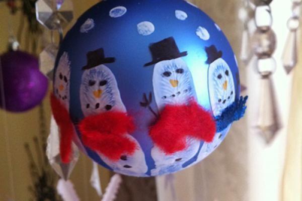 Andenken Fingerabdruck auf Deko- und Weihnachtskugeln