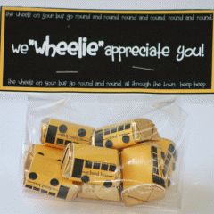 Free printable for the school buses. So cute for an end of