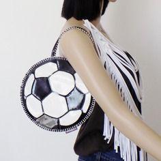 Original ''mini sac a main !! football !! en simili cuir noir taille: 22cm x 21cm belicious-delicious creation