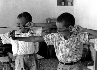 Le curieux Monsieur Cocosse | Journal: Greece | Photos by Hubertus Hierl, 1962